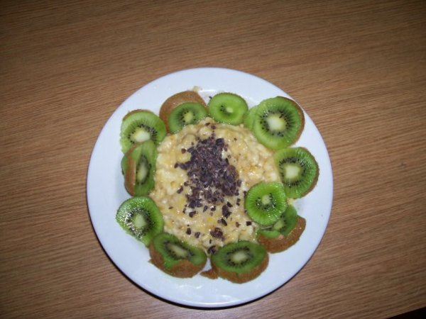 Fruit dish with cacao nibs